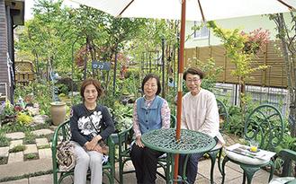 オープンガーデンの魅力を語る世話人の(左から)後藤さん、佐々木さん、岩竹さん
