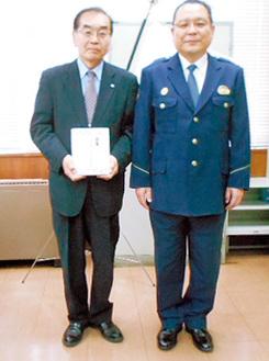 江上会長(左)と宮田署長
