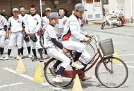 自転車のルールを学ぶ