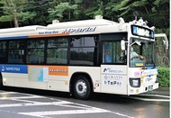 国内初 運転席無人バス