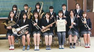 横浜南陵高吹奏楽部のメンバー