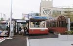 バス停の混雑解消へ手前に広場を整備
