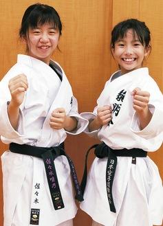 黎明会で切磋琢磨する小野塚さん(右)と佐々木さん