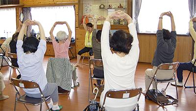 芹が谷健康塾で簡単体操