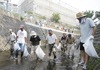 日野川で川掃除
