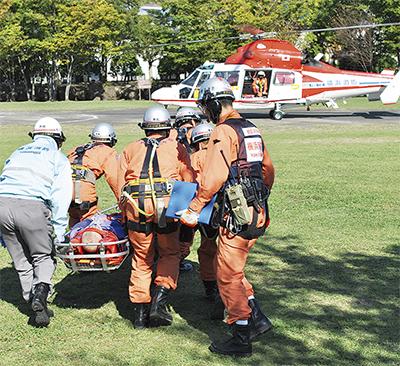 消防局航空隊と連携訓練