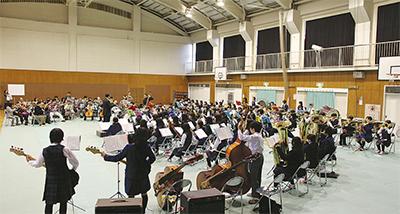 中学生がオケと合奏
