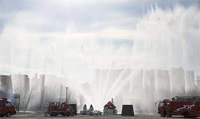 新春飾る消防出初式