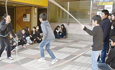 上大岡駅でダブルダッチ