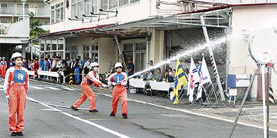 自衛消防隊が技競う