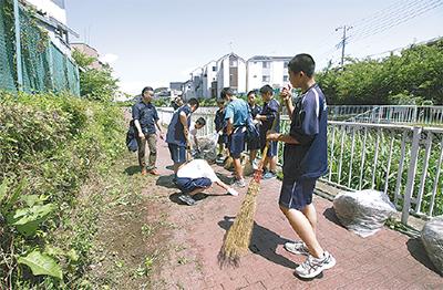 平戸永谷川清掃に500人