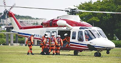 大災害想定ヘリ訓練