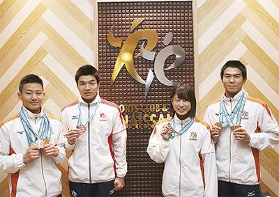 4選手が全国水泳でメダル