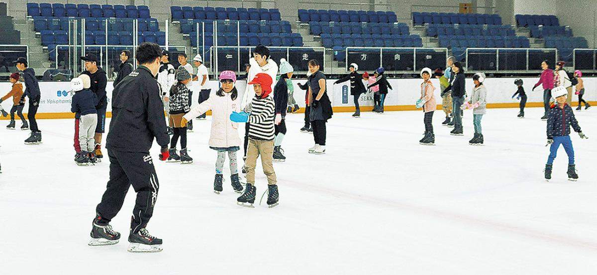 子どもたちがスケート体験