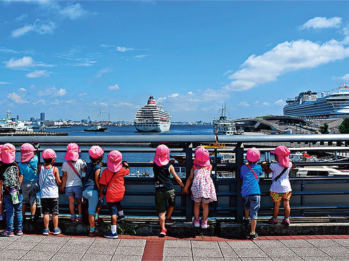 港と客船テーマに写真募集