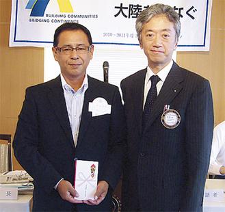 本牧RCの島峰会長(右)と奥田監督