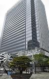 横浜美術館に隣接するセントラルテラス