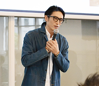 公募説明会にはリバースプロジェクト代表で俳優の伊勢谷友介さんも駆けつけた