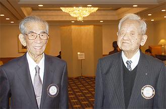 野並さんと語り合う西堀さん(右)