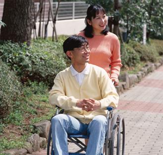ガイドヘルパー資格で障害者の外出をサポート