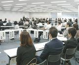 各大学教職担当らが出席した締結式
