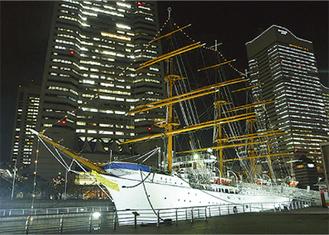 光り輝く日本丸=横浜みなと博物館提供