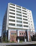 建物2階にコミハが入る=7月29日撮影