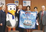 横浜スカーフ親善大使も訪れた
