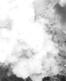 爆撃時、東神奈川駅上空から空撮した写真【山本博士資料(横浜市史資料室所蔵)】