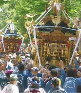 県内神輿がパレード