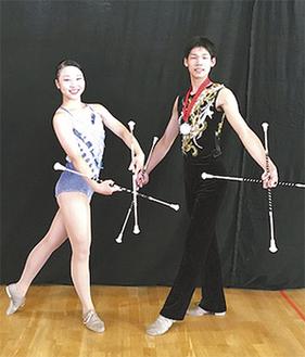 山村さん(左)と荒井さん