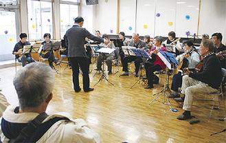 横浜マンドリンクラブによる演奏