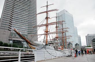 大改修を予定する日本丸