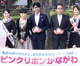 表彰式で池田会長(中央)