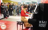 誰でも演奏 ピアノ登場