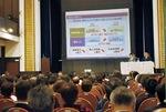 昨年12月に中区で行われたIR市民説明会。林市長は市の現状を解説