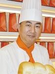 「馬車道の新たな名物になれば」とパン職人の稲川さん