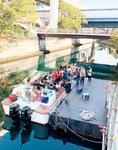 「よこはま運河チャレンジ」では、石川町仮設桟橋を設置してクルーズ船が運行された(写真は2020年11月)