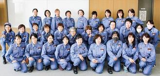 防災研修に参加した女性団員ら