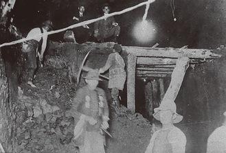 山手トンネルの工事 明治44(1911)年頃 横浜都市発展記念館所蔵