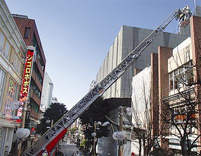 伊勢佐木町で消防訓練