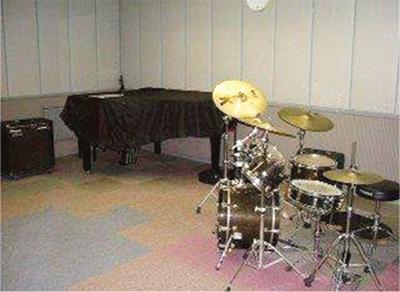 ピアノやドラムが無料に