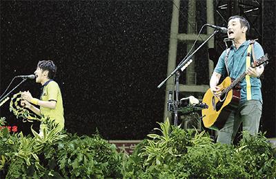「ゆず」15年ぶり スタジアムライブ