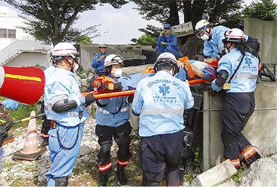 震災想定し救助訓練