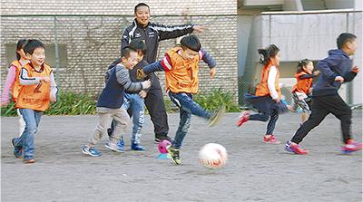 保育園児がサッカー初挑戦