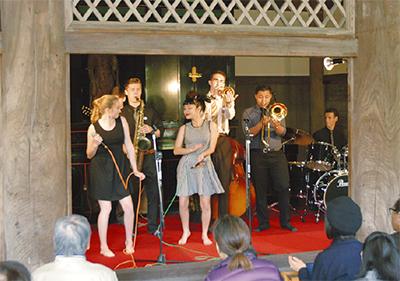 三溪園でジャズ演奏会