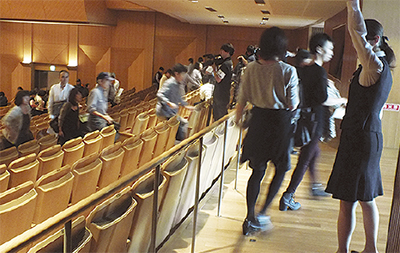 コンサートで避難訓練