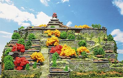 日本の名城を情景と共に復元したジオラマ模型も展示される