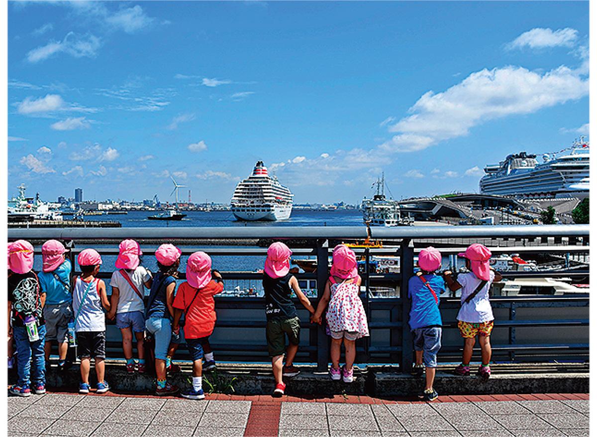 港と客船の写真募集