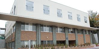 横浜英和女学院の本館